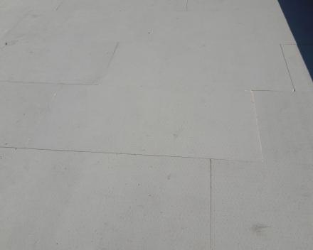 Recticel Powerdeck F gelijmd op dampscherm met Soudatherm roof 250
